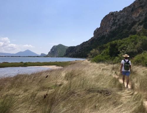 So schön griechisch hier in Pylos: Hiking in der Bucht Órmos Navarínou