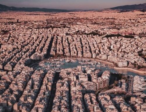 Athen scheint der Menschheit und dem mediterranen Licht gewidmet …. also: All the way up!